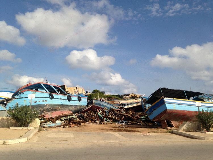 Il cimitero delle barche di Lampedusa